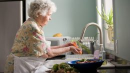 How-Cannabis-Can-Be-Used-for-Elderly-Care